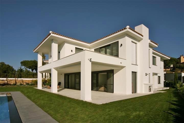 Detached Villa for sale in Artola R3139294