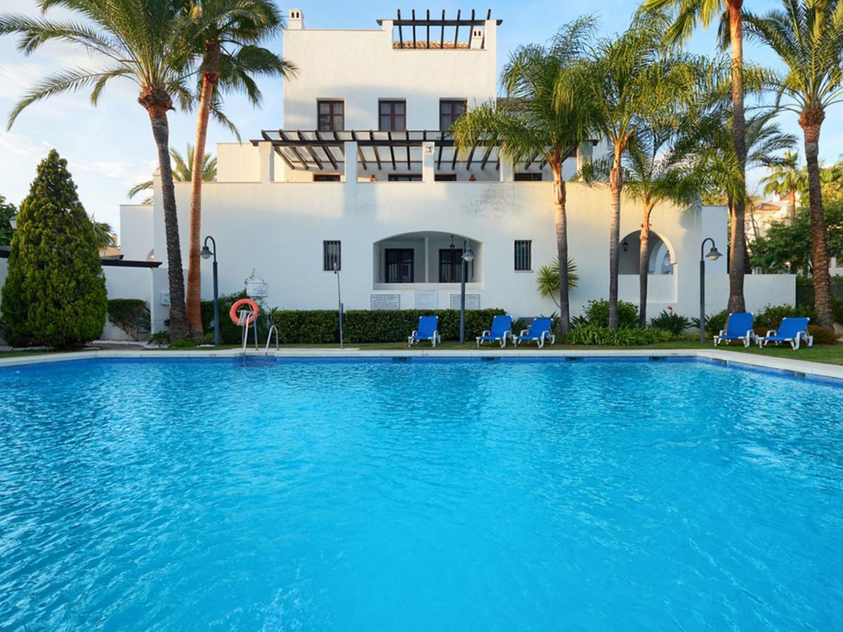 2 bedroom apartment for sale puerto banus