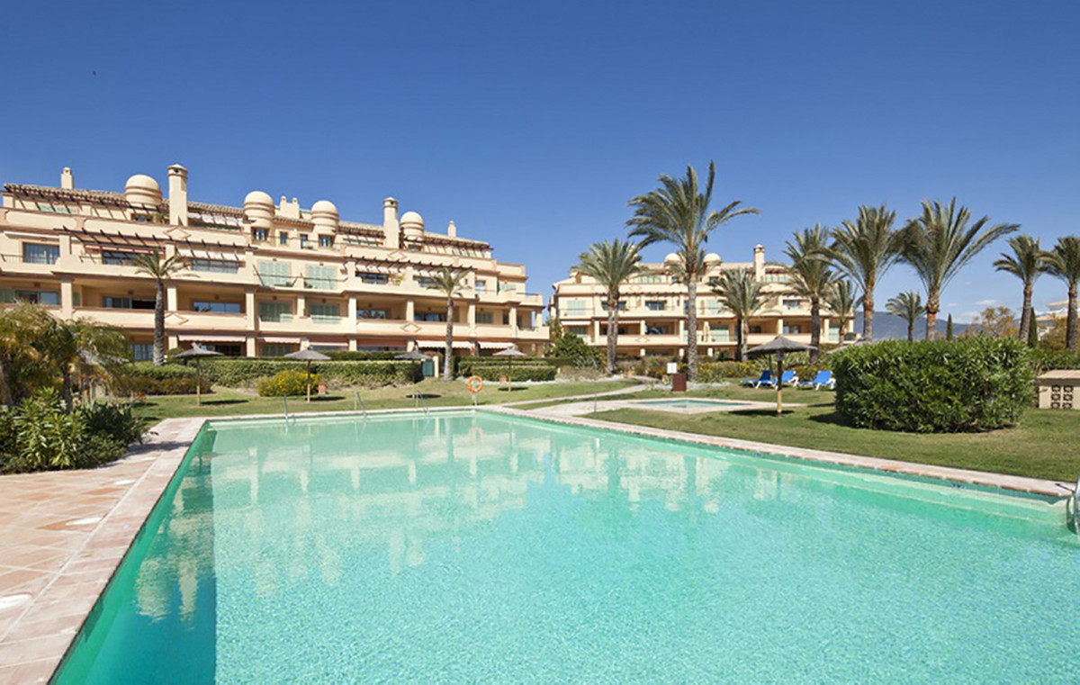 New on the market, lowest price in the community. South/West ground floor with private garden in Fou,Spain