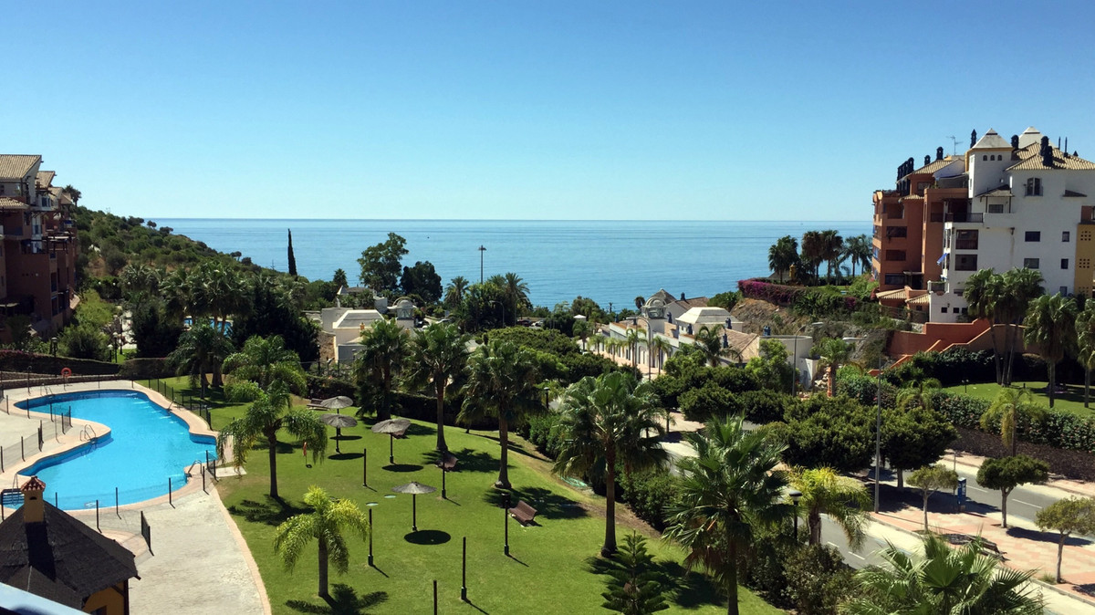 Fantastic apartment, located at 3 km from Almunecar center town at the 4th level with lift. First li,Spain