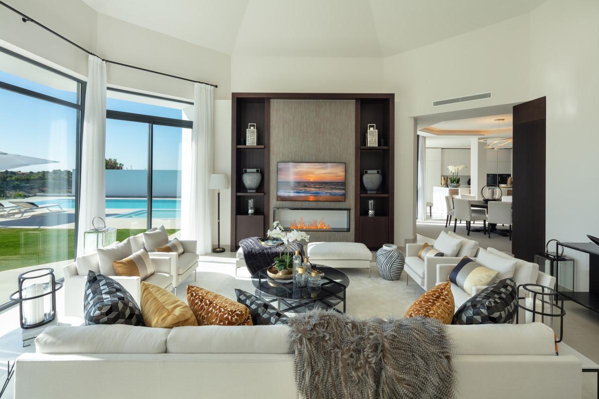 House in Aloha R3745846 13