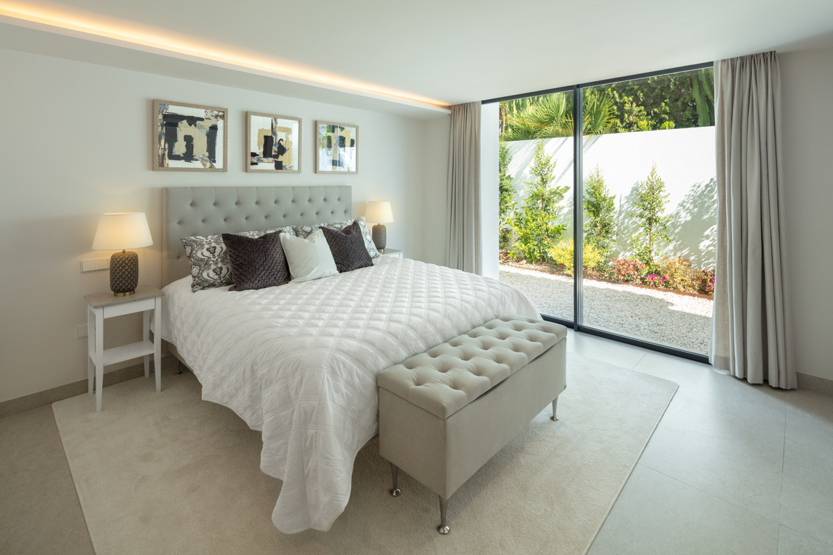 House in Aloha R3745846 24