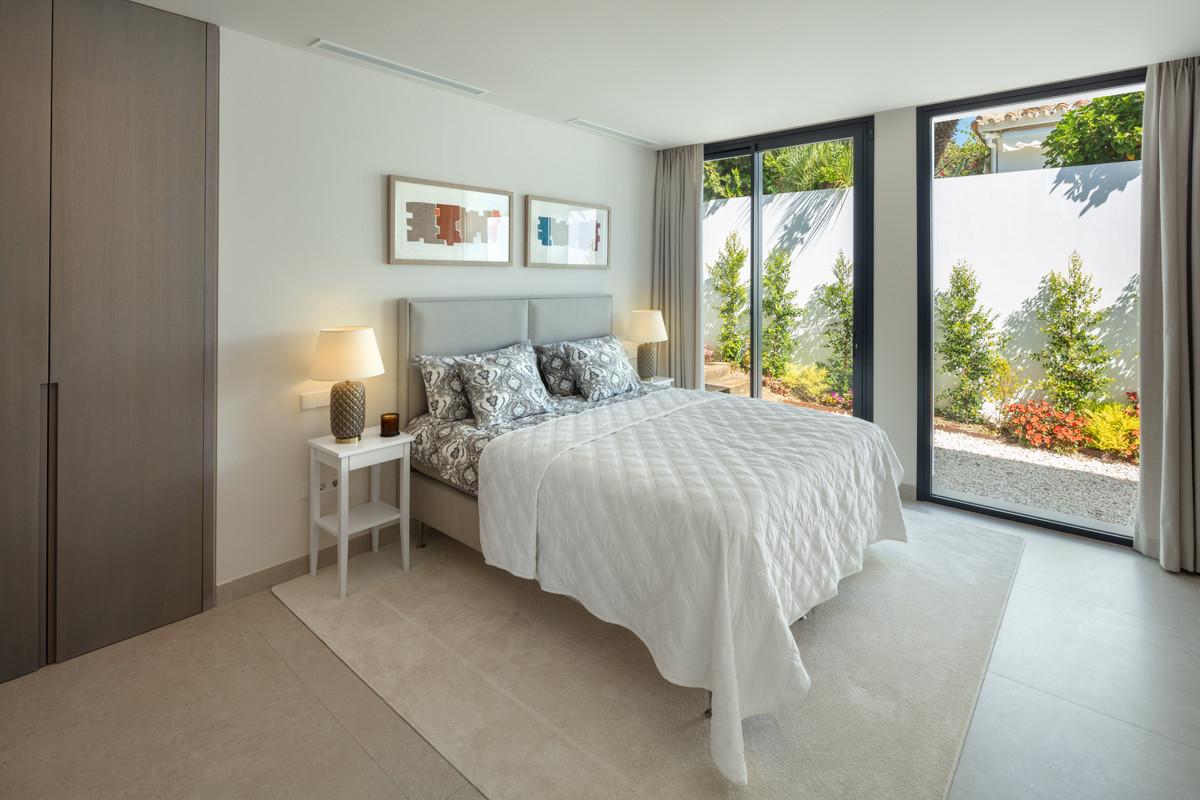 House in Aloha R3745846 29