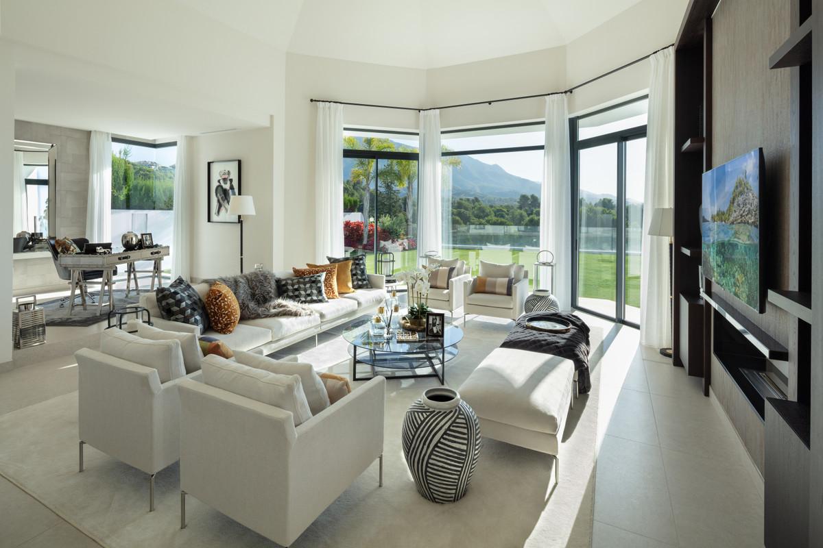 House in Aloha R3745846 6