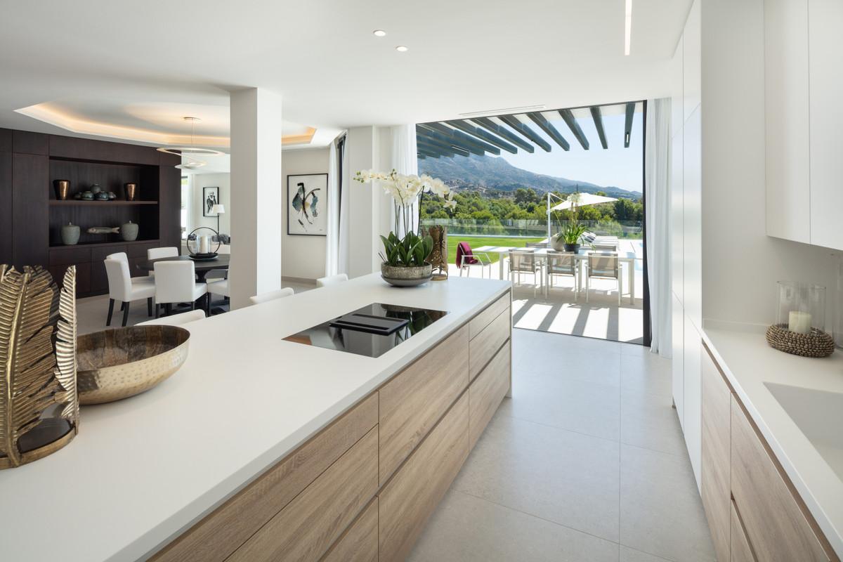 House in Aloha R3745846 8