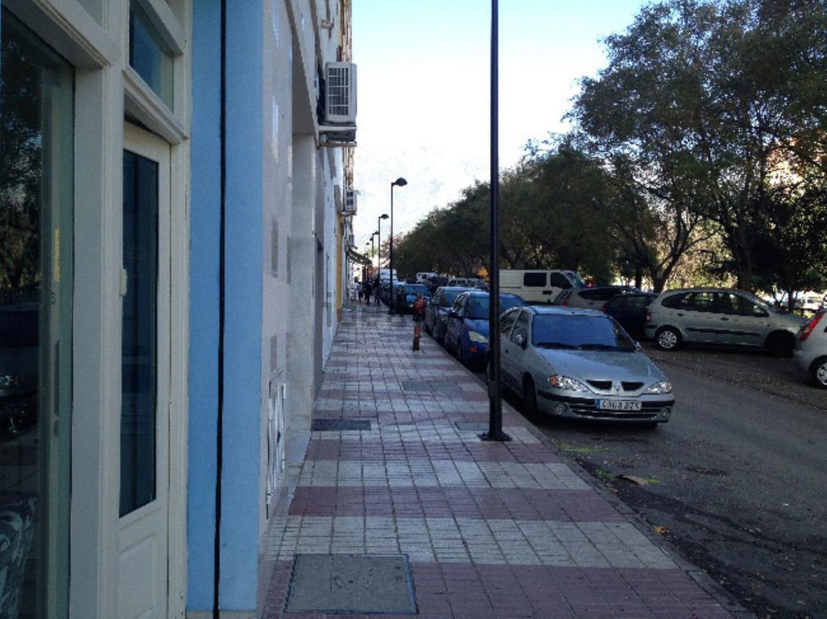 Shop, Marbella, Costa del Sol. Built 40 m².  Setting : Town, Commercial Area, Close To Shops. Orient,Spain