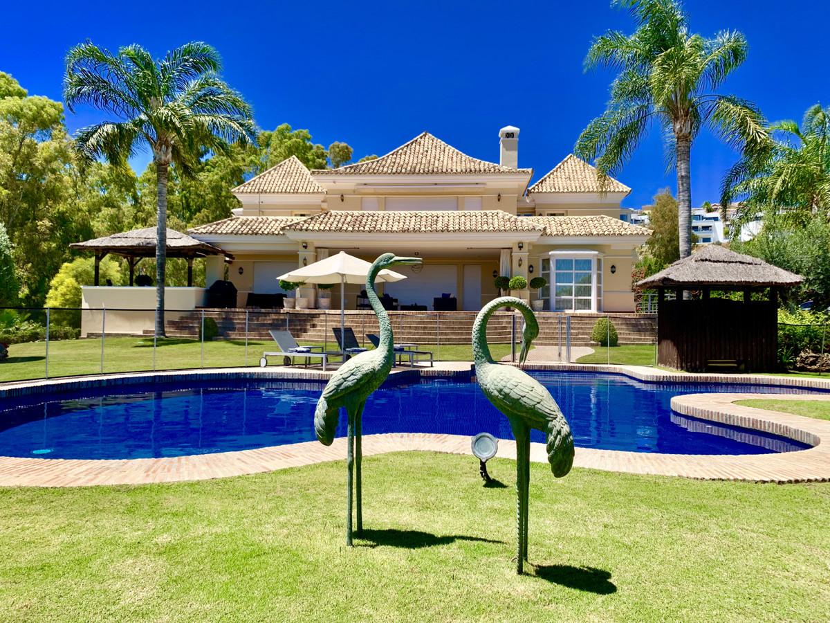 6 dormitorio villa en venta nueva andalucia