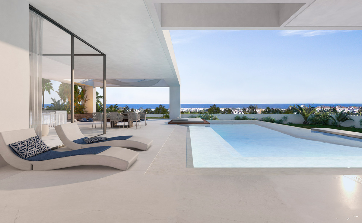 Detached Villa for sale in El Paraiso R3202162