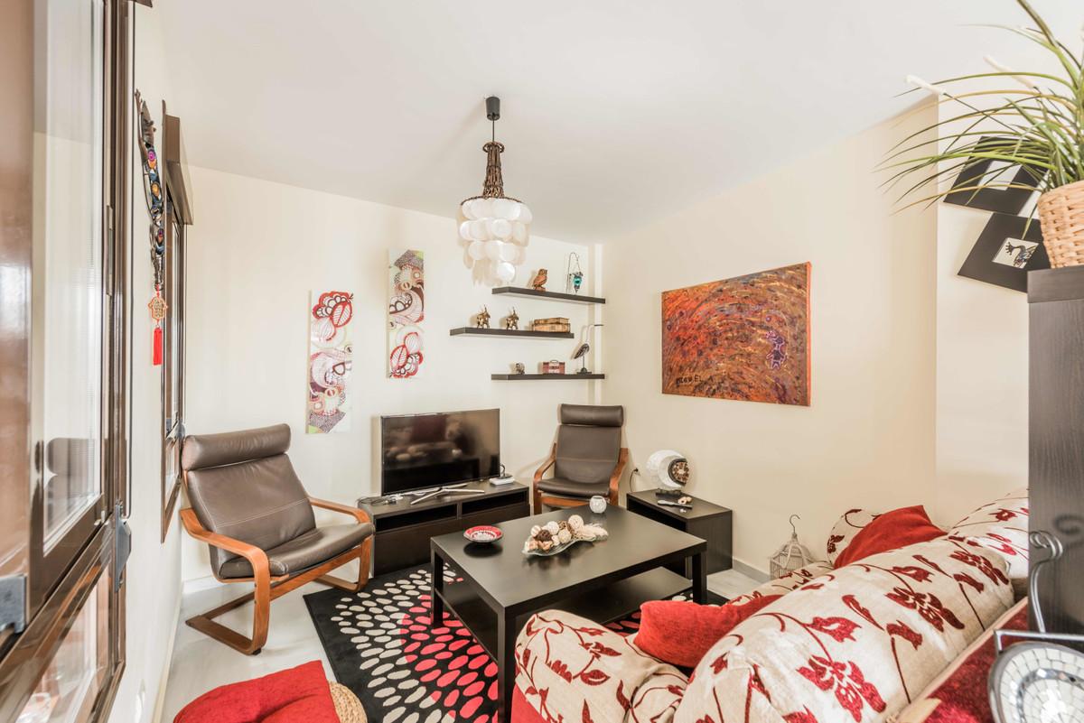 Apartamento Planta Media 2 Dormitorio(s) en Venta Ojén