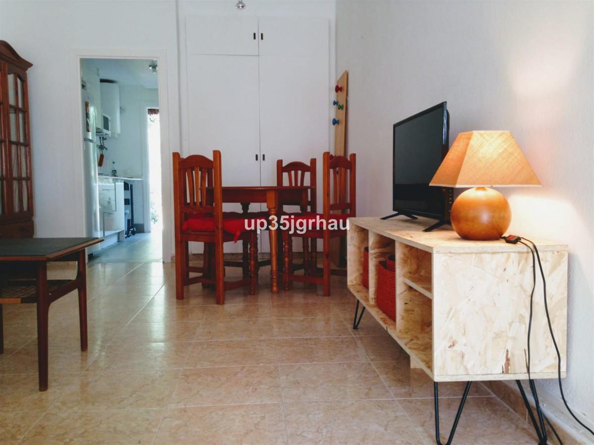 1 Bedroom Apartment For Sale, Estepona