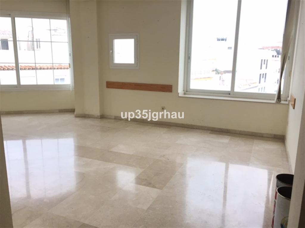 Commerce, Bureau  en vente   et en location    à Estepona