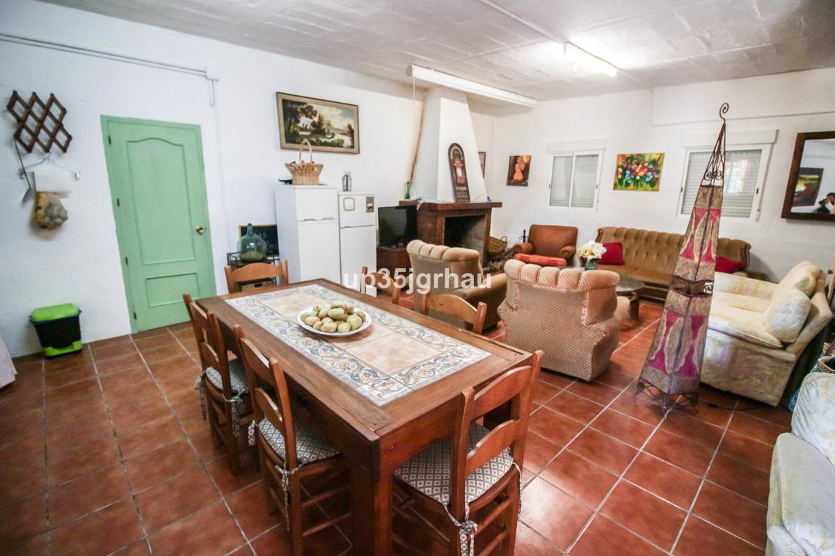 Villa con 3 Dormitorios en Venta Gaucín