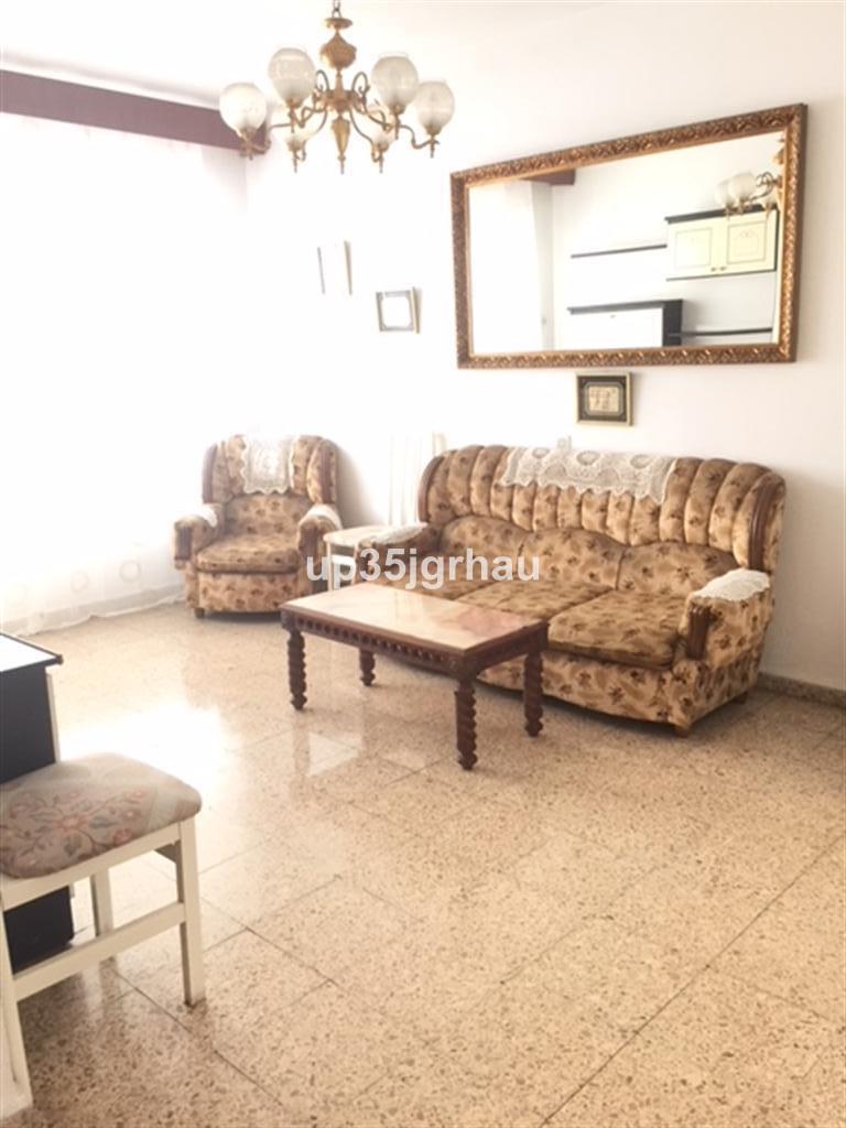 Middle Floor Apartment, Estepona, Costa del Sol. 3 Bedrooms, 1 Bathroom, Built 90 m², Terrace 7 m². ,Spain