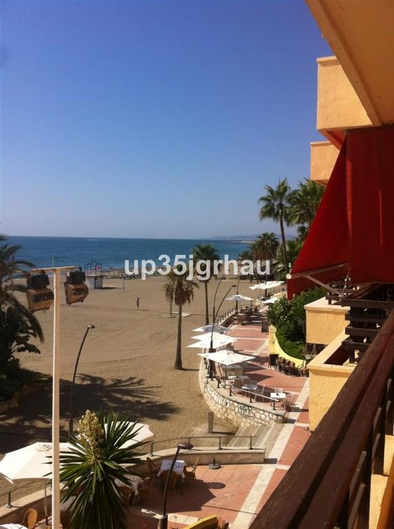 Ref: 316963 3 Bedrooms Price 299,900 Euros