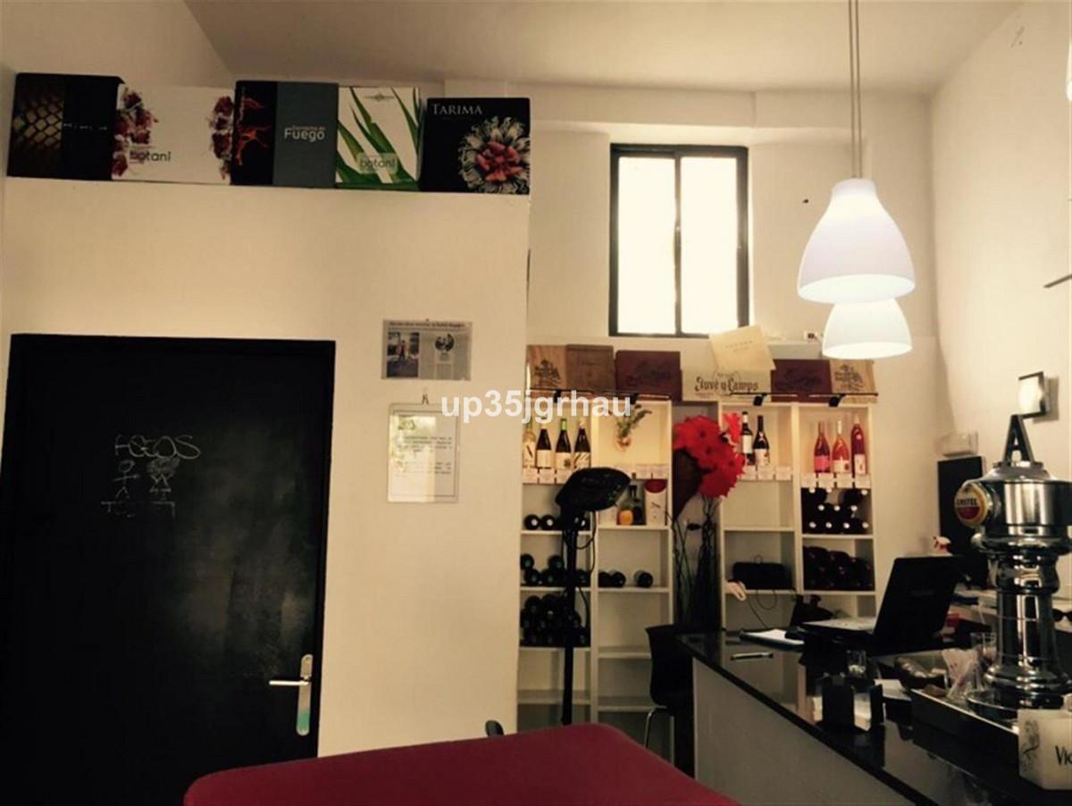 Comercial con 0 Dormitorios en Venta Estepona