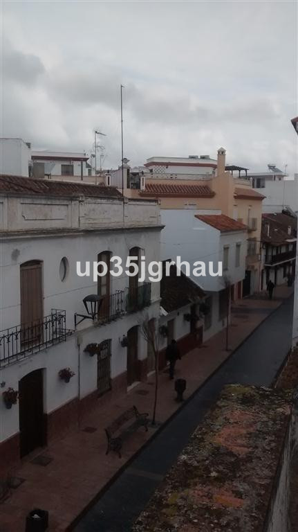 5 Dormitorio Unifamiliar en venta Estepona