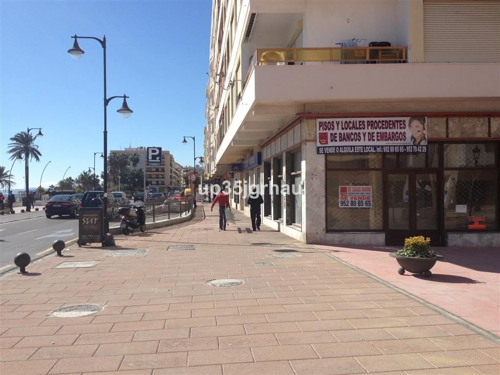 Business, Estepona, Costa del Sol. Built 170 m².  Setting : Beachfront, Town, Commercial Area, Beach,Spain