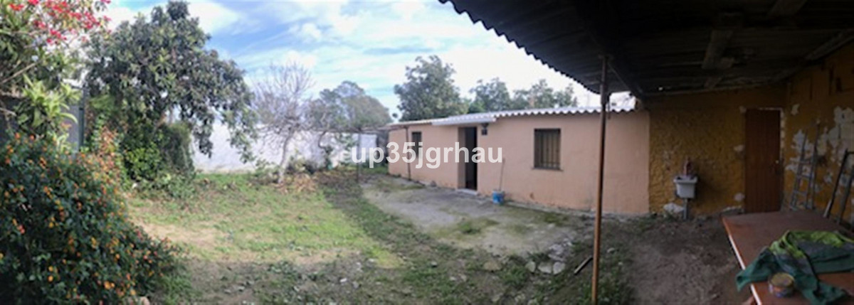 Detached Villa, Estepona, Costa del Sol. 2 Bedroom