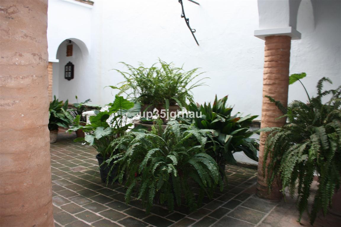 Comercial Hotel 10 Dormitorio(s) en Venta Estepona