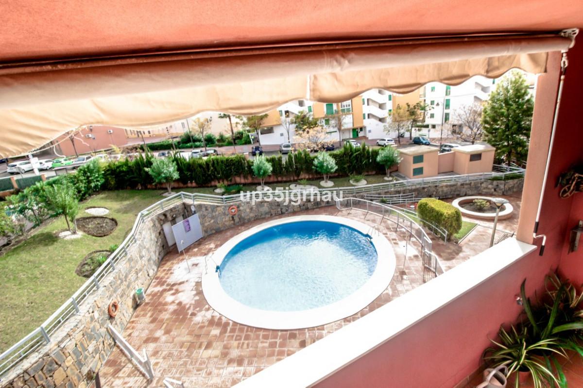 Middle Floor Apartment, Estepona, Costa del Sol. 2 Bedrooms, 2 Bathrooms, Built 81 m², Terrace 10 m²,Spain