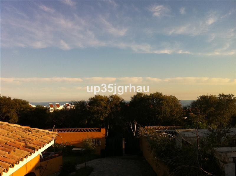 Unifamiliar Independiente en San Luis de Sabinillas, Costa del Sol
