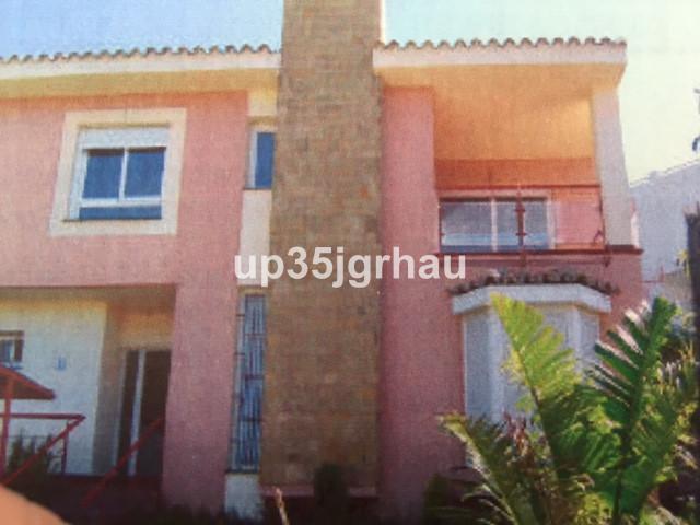 Detached Villa, Estepona, Costa del Sol. 3 Bedrooms, 2 Bathrooms, Built 160 m², Terrace 10 m², Garde,Spain