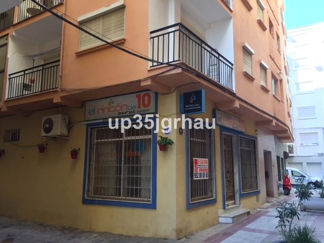 Comercial 2 Dormitorios en Venta Estepona