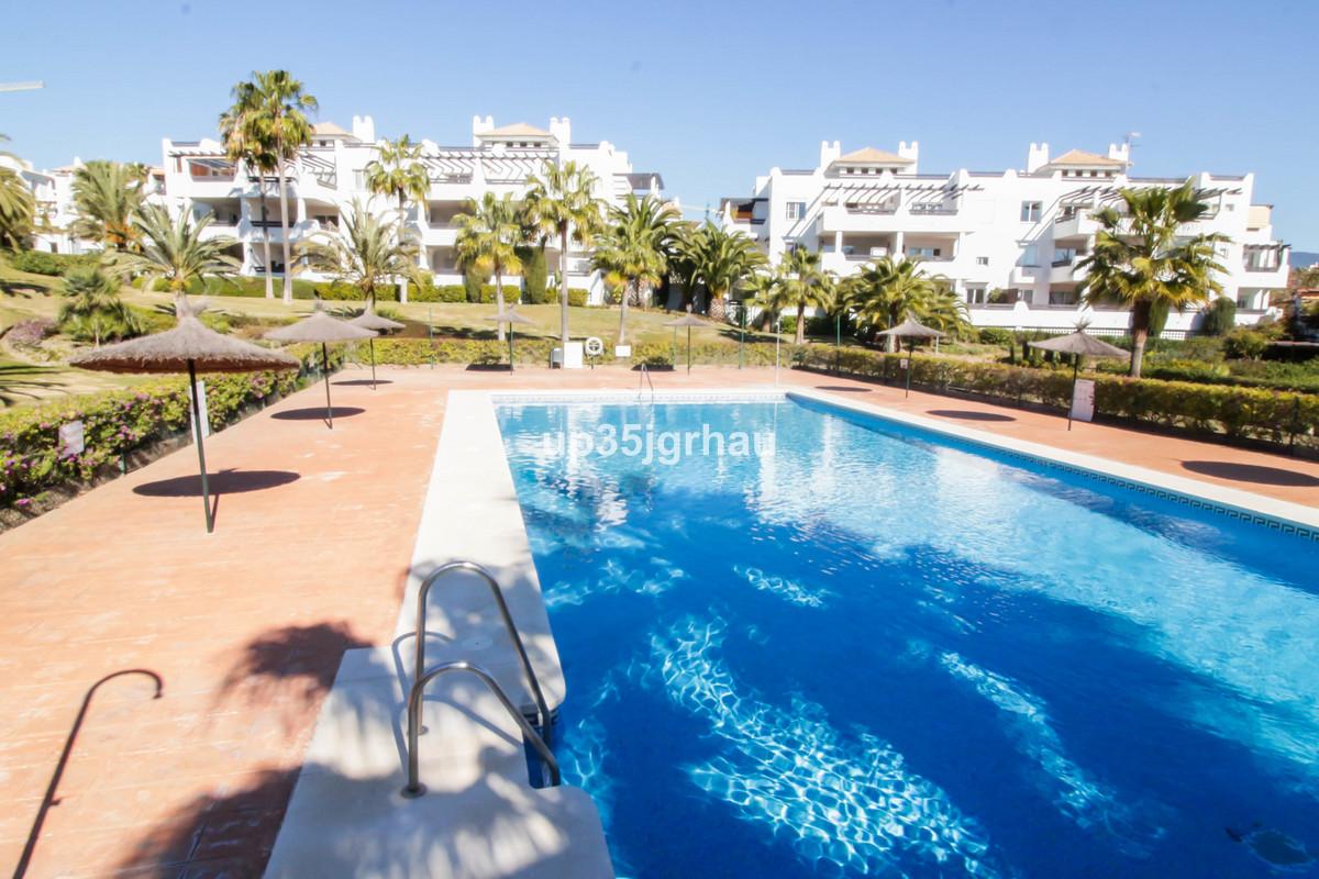 Middle Floor Apartment, Estepona, Costa del Sol. 2 Bedrooms, 2 Bathrooms, Built 150 m², Terrace 30 m,Spain