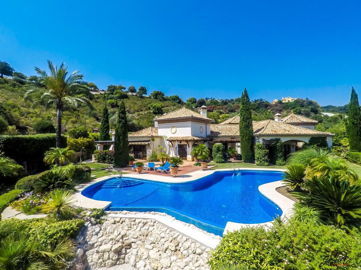 5 Bedrooms Villa For Sale - La Zagaleta