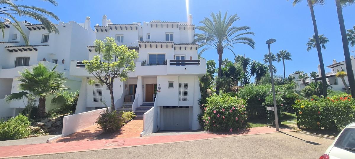 Maison Jumelée  Mitoyenne en vente   à Costalita