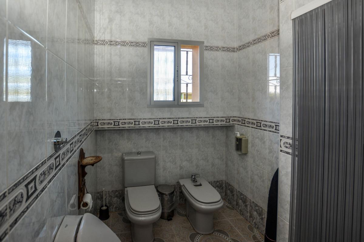 Photo of property R3690005, 17 de 43