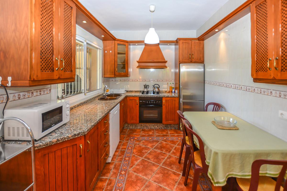 Photo of property R3690005, 27 de 43