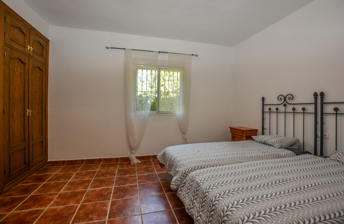 Photo of property R3690005, 28 de 43