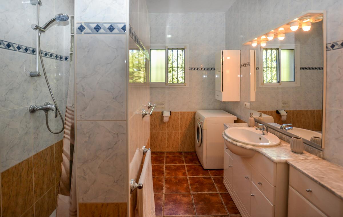 Photo of property R3690005, 29 de 43