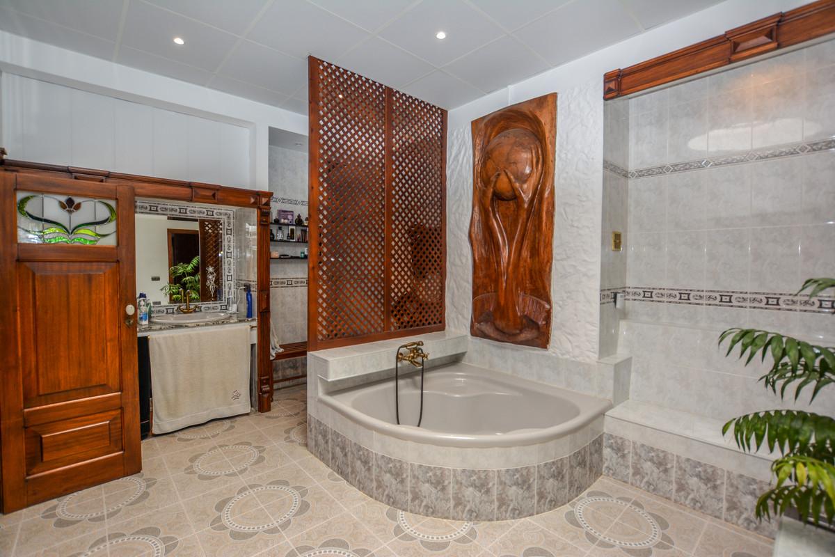 Photo of property R3690005, 6 de 43