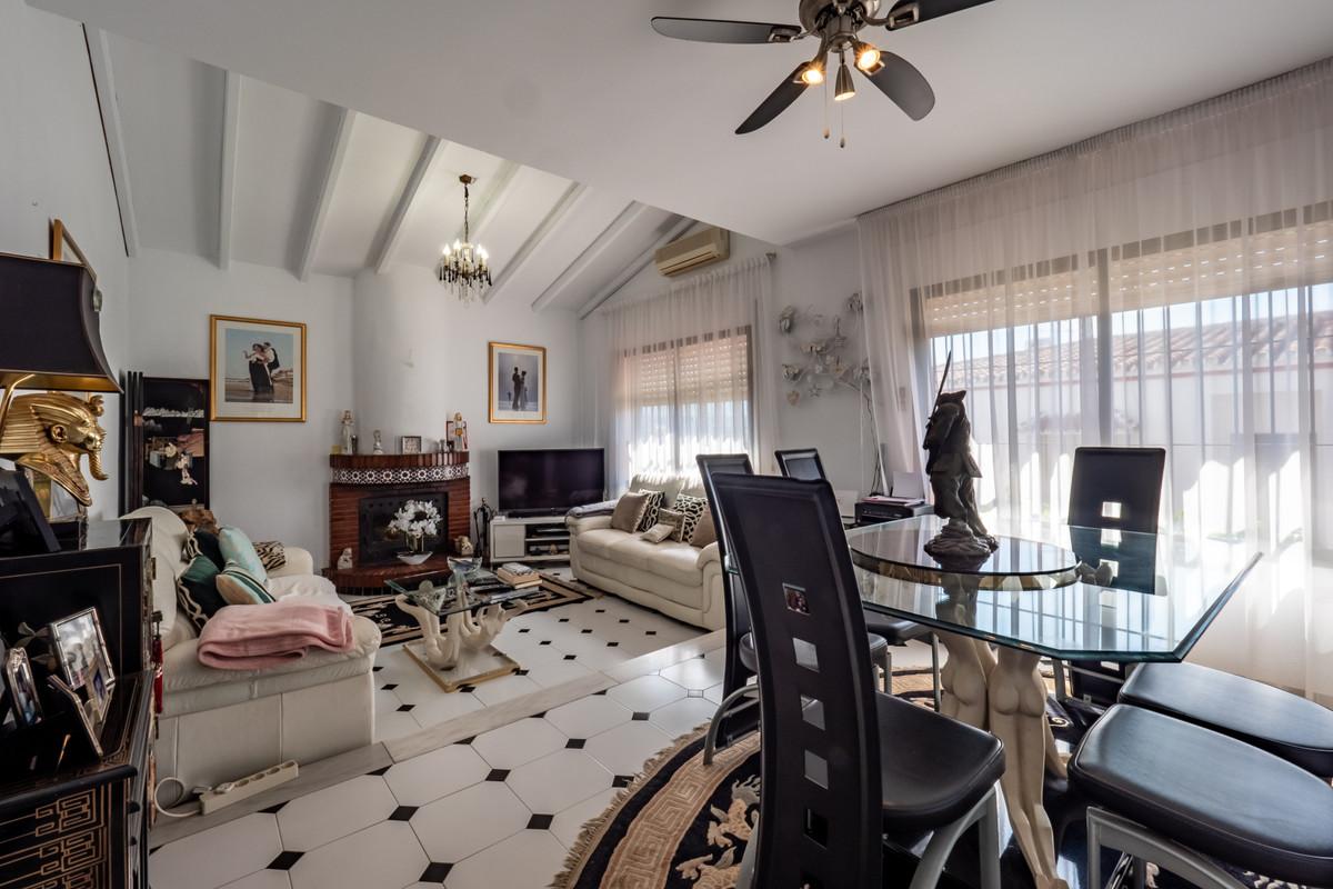 Photo of property R3823630, 2 de 29