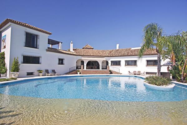Ref:R2396708 Villa - Detached For Sale in El Paraiso