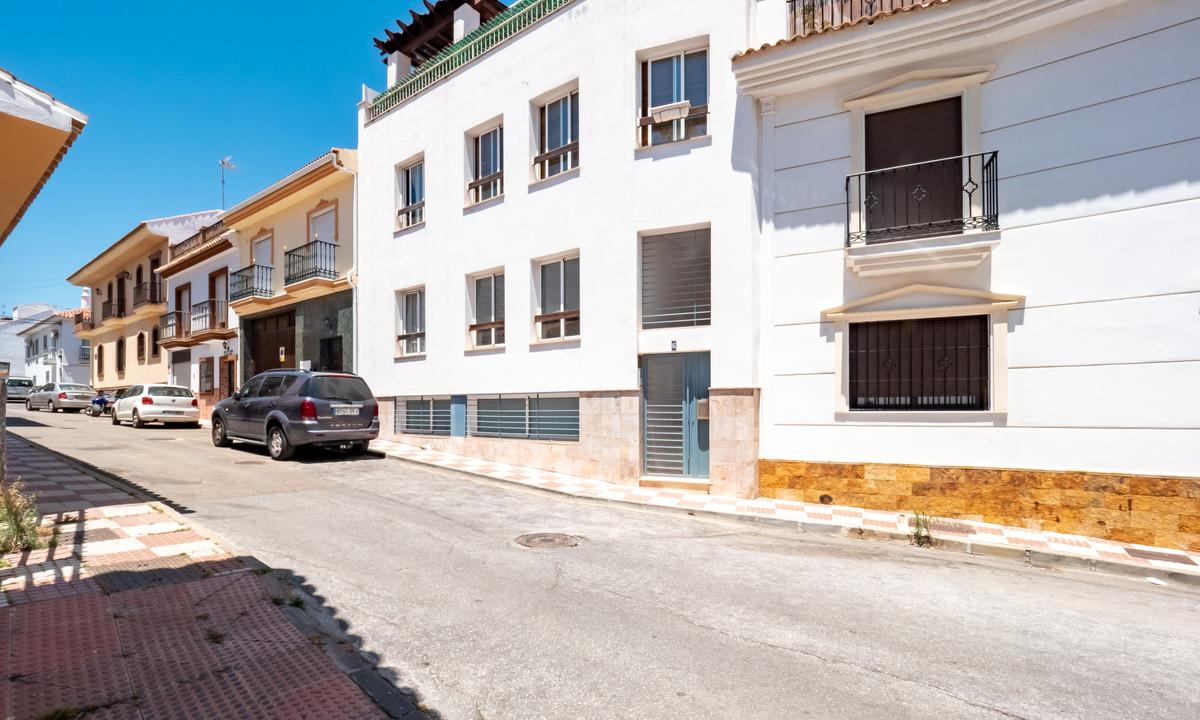 1 Bedroom Middle Floor Apartment For Sale Alhaurín el Grande, Costa del Sol - HP3884575