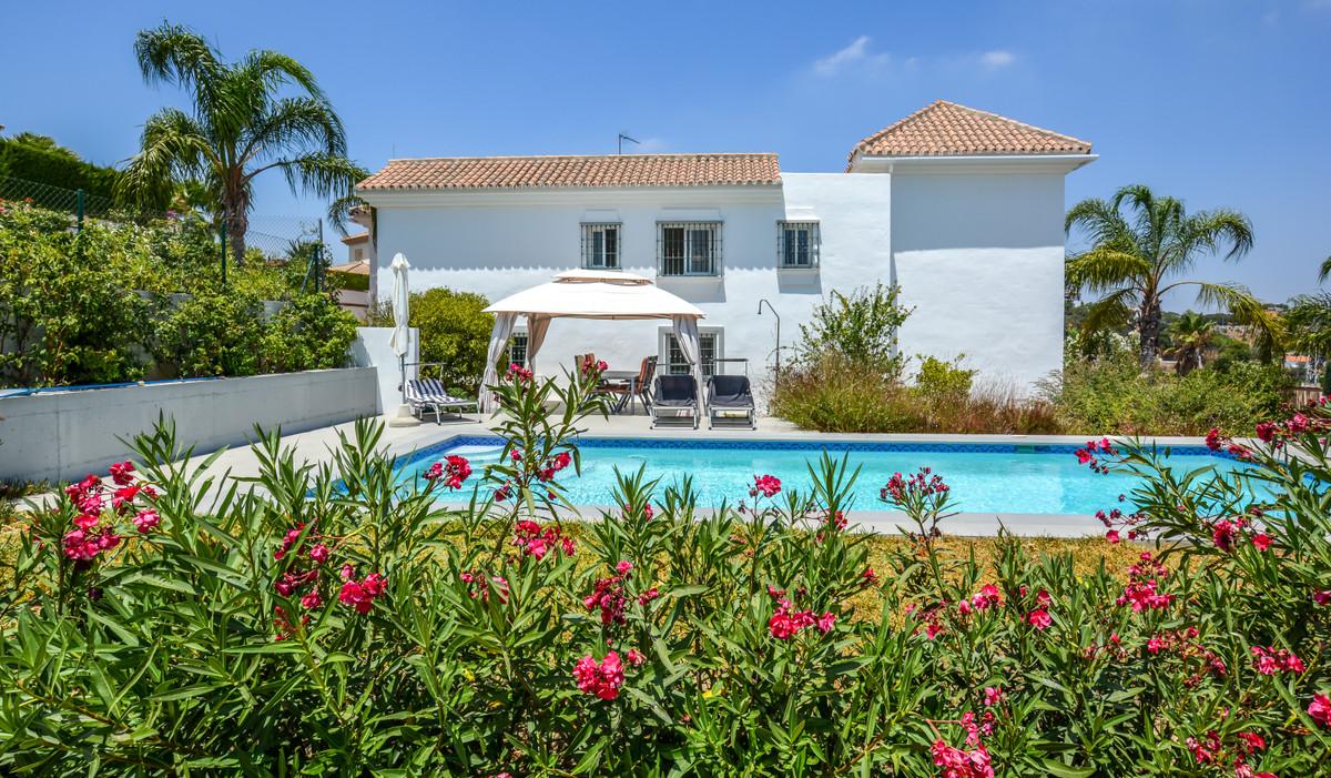 Ref:R3467200 Villa - Detached For Sale in Coín