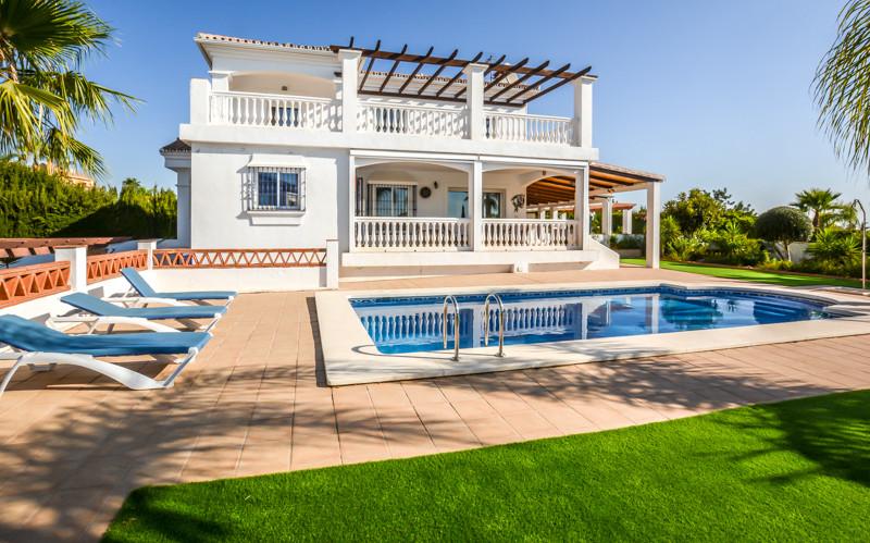Ref:R3236341 Villa - Detached For Sale in Coín