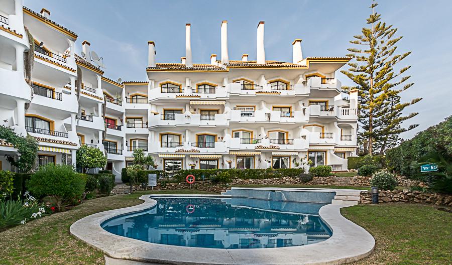Penthouse in Las Chapas R2375939