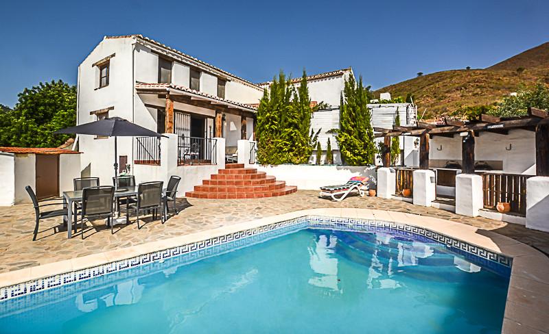 Ref:R3221875 Villa - Finca For Sale in La Cala de Mijas
