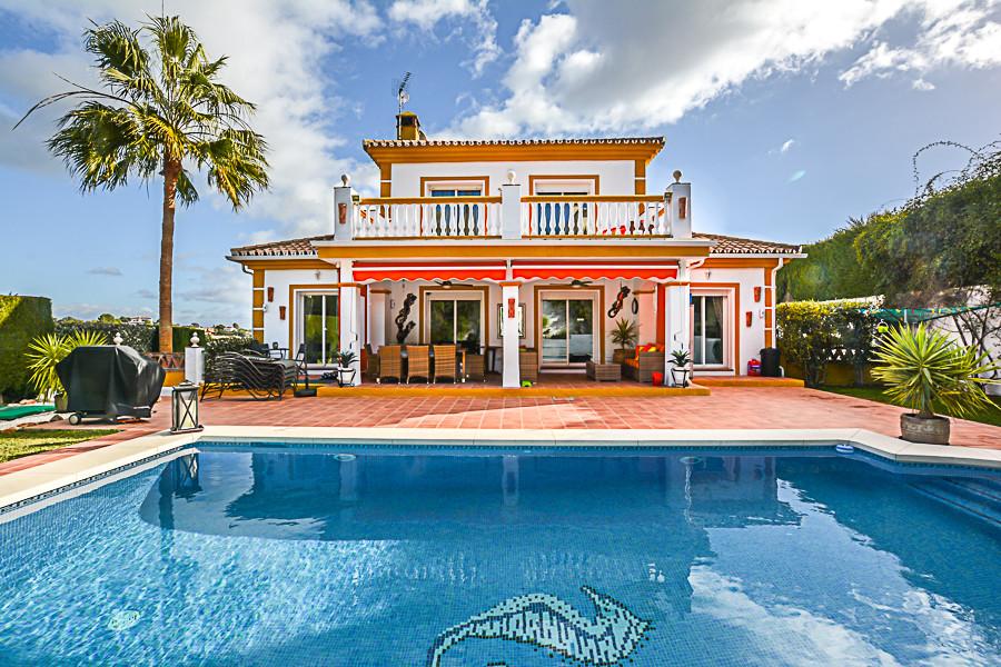 Ref:R3077977 Villa - Detached For Sale in Coín