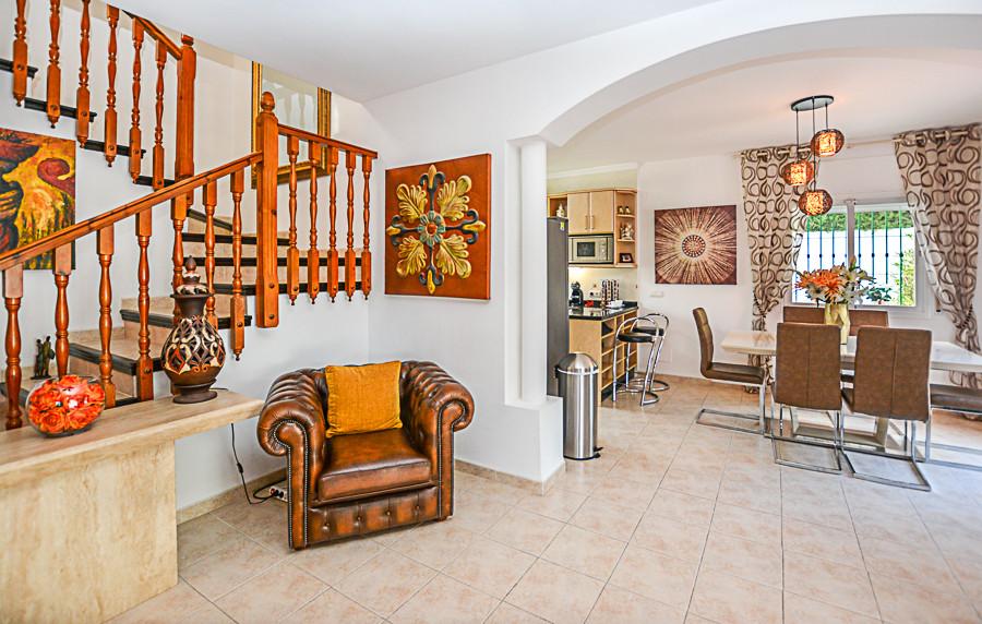 House in Coín R3077977 36