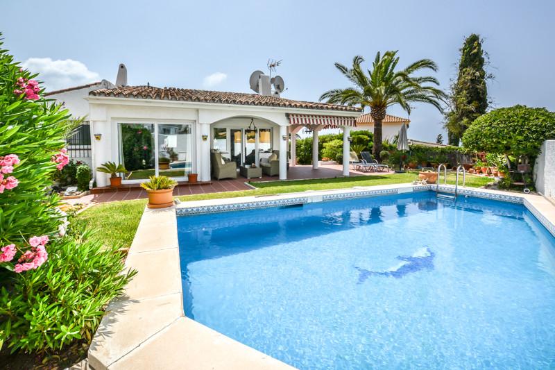 El Rosario,3 Bedrooms Bedrooms,2 BathroomsBathrooms,Villa - detached,R2569382
