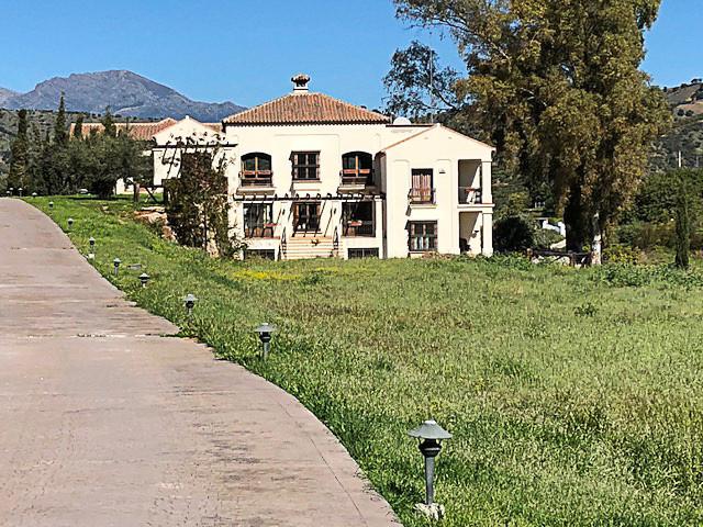 Ref:R3211048 Villa - Finca For Sale in Coín