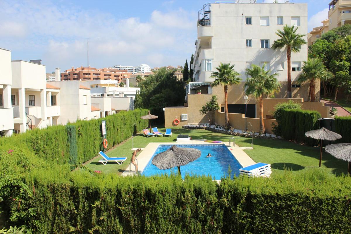 Nice holiday apartment  located in Riviera del Sol near Miraflores golf course. Semi open kitchen, l,Spain