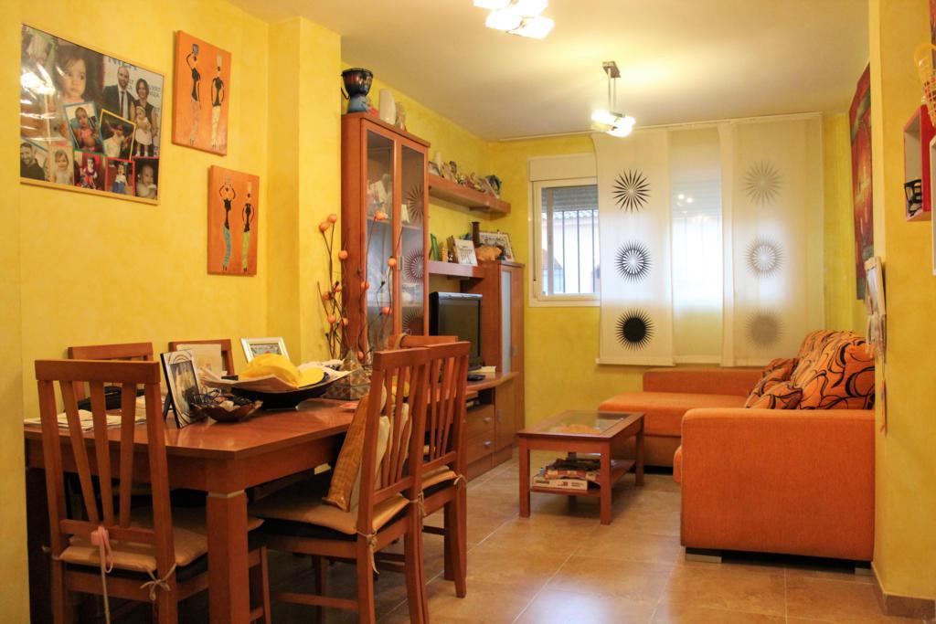 Large  ground floor apartment close to the center of Estacion de Cartama. The property has 3 bedroom,Spain