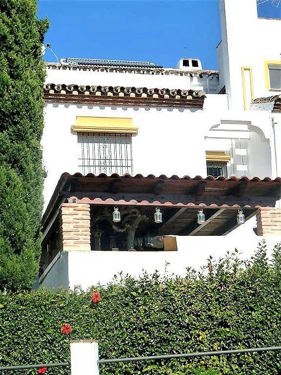 Unifamiliar 4 Dormitorios en Venta El Coto
