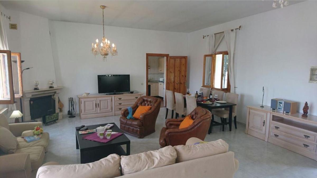 Villa in Sierrezuela